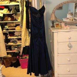 Navy blue mermaid gown